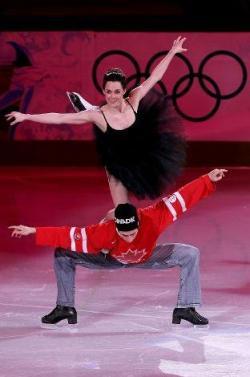 Tessa_Virtue_and_Scott_Moir_of_Canada_Figure_Skating_Exhibition_Gala